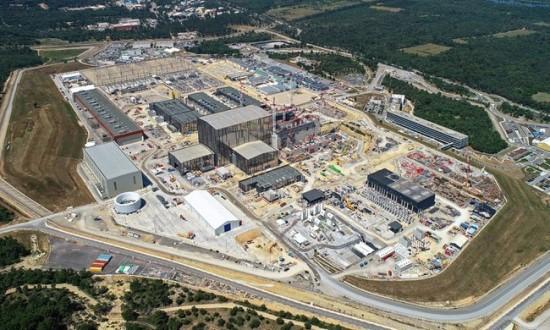 ITER branduolių sintezės reaktoriaus aikštelė Prancūzijoje © Vinci
