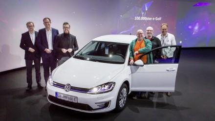 """""""Volkswagen"""" pardavė 100000-ajį """"e-Golf © Gamintojo nuotrauka"""