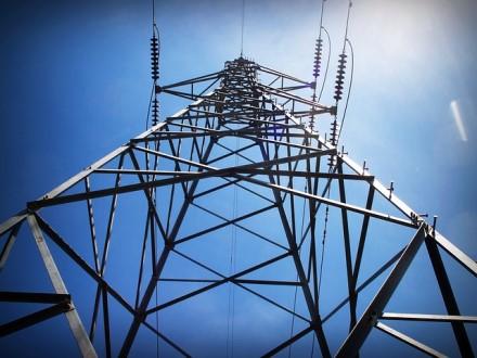 """""""Enefit"""": artėja reguliuojamų elektros kainų eros pabaiga – kas laukia gyventojų?"""