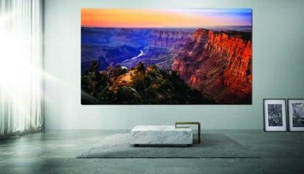 """""""Samsung"""" išleido televizorių už 1,68 mln. JAV dolerių"""
