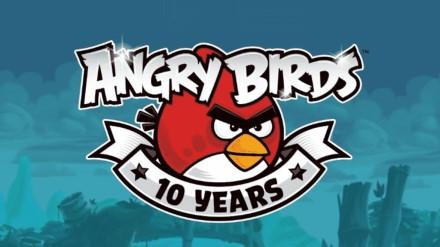 """Legendinis """"Angry Birds"""" švenčia įspūdingą jubiliejų – žaidimui jau 10 metų!"""