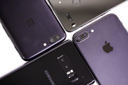 Daugėjantis kamerų skaičius telefone sukelia nemažai problemų – gamintojai nespėja gaminti kameros modulių