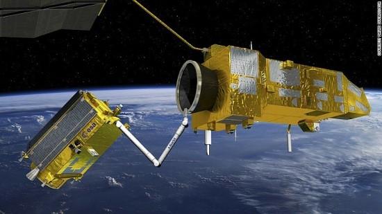 Šiukšlių rinkimas kosmose / Europos kosmoso agentūros nuotr.