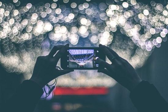 2019 metų telefonų apžvalga: ką apie technologijų ateitį praneša šie telefonai
