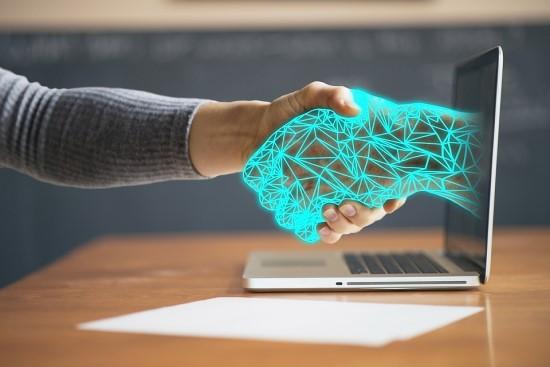 Lietuvos ir užsienio mokslininkai nustatė, kaip robotai veikia darbuotojų gerovę ir kokius iššūkius kelia personalo valdymui