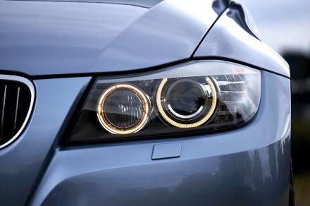 Ar jūsų automobilio žibintai apšviečia tamsų kelią taip kaip turėtų?