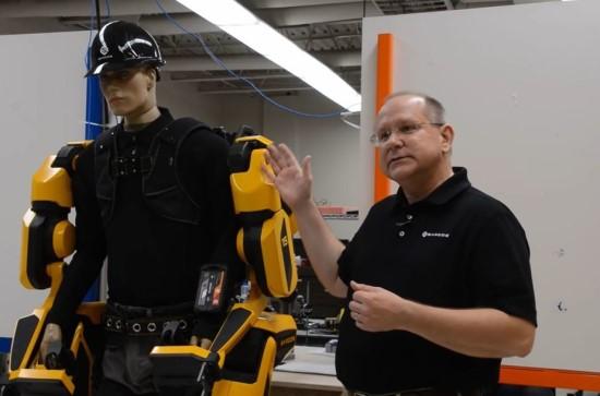 """Stopkadras / """"Sarcos"""" veiklos vadovas Chrisas Beaufaitas pasakoja apie """"Guardian XO"""""""