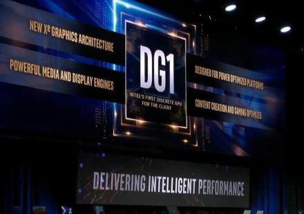 """""""Intel"""" pademonstravo veikiančią """"Xe DG1"""" grafiką"""