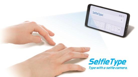 """""""SelfieType"""" – spausdinimas tarsi ore"""