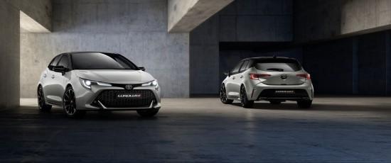 """Naujasis """"Toyota"""" sportiškos šeimos narys """"Corolla GR Sport"""" atvyko į Lietuvą"""