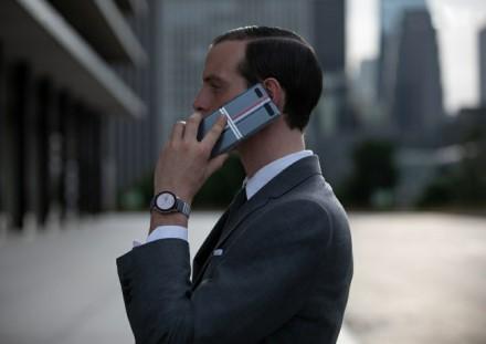 """""""Galaxy Z Flip"""" negalėtų turėti stilingų dėkliukų, jei turėtų didelį ekraną © Gamintojo nuotrauka"""