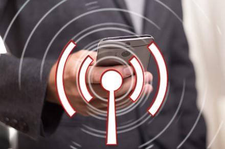 """Jei """"iPhone"""" automatiškai neprisijungia prie Wi-Fi tinklo"""