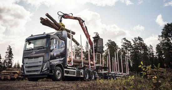 """""""Volvo Trucks"""" pristato naująjį """"Volvo FH16"""" – patogumo ir galios derinį didesniam našumui"""