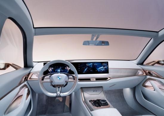 """BMW Concept i4"". Gamintojo nuotr."
