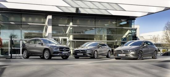 """""""Mercedes-Benz"""" pristato tris naujus įkraunamus hibridinius modelius"""