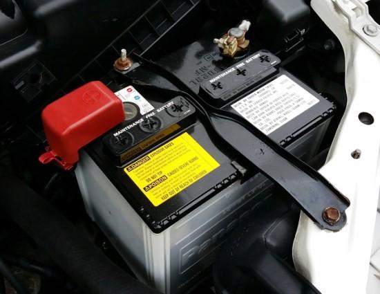 Kiek pinigų galima gauti už seną automobilio akumuliatorių?