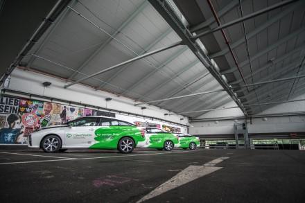 """Vokietijoje pavežėjų naudojami """"Toyota Mirai"""" jau įveikė 5 mln. kilometrų"""