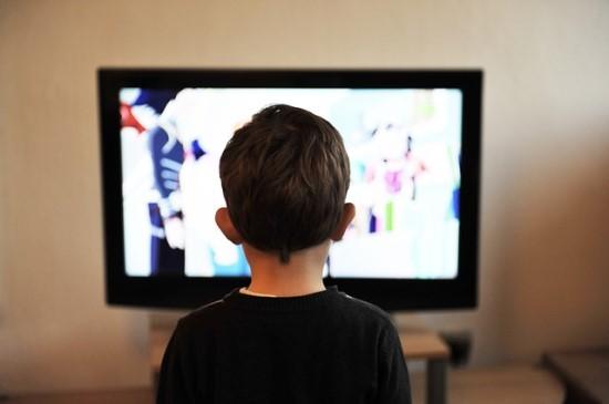 Vaikai ir televizija: kaip iš pramogos gauti naudos?
