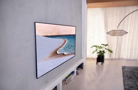 """LG OLED televizorius vėl užsitarnauja didžiausią pagarbą prestižinių """"Red Dot"""" dizaino apdovanojimų metu"""