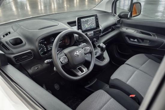 """Lietuvoje pristatytas naujasis verslo pagalbininkas """"Toyota Proace City Van"""""""
