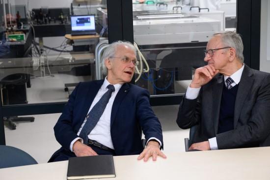 Nobelio fizikos premijos laureatas prof. Ž. Muru ir akad. A. Piskarskas dalinasi įžvalgomis apie lazerių raidą (nuotr. autorius Nailas Garejevas)