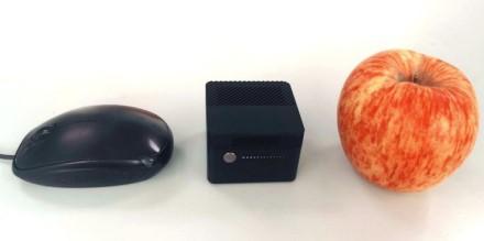 Kinų kompanija kuria mažiausią 4K palaikantį kompiuterį: tilps į delną ir bus obuolio dydžio