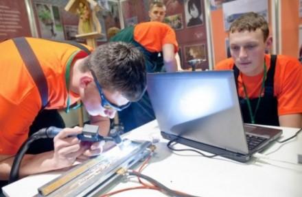 Ministerija kviečia mokinius išbandyti profesiją jau mokyklos suole