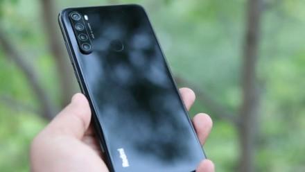 """""""Xiaomi"""" purto vienas didžiausių skandalų istorijoje: atrasta, kad jų telefonai šnipinėja vartotojus"""