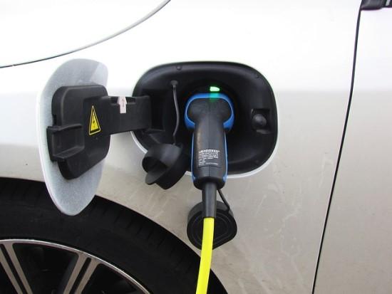 Ką turite žinoti, jei perkate elektromobilį ir norite kompensacijos