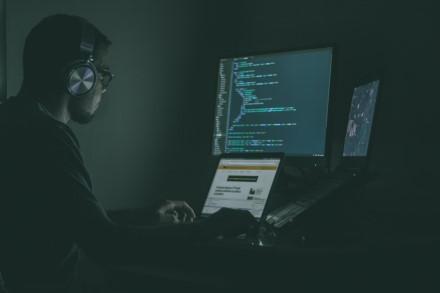 Kaip išvengti pavojų internete pandeminiu laikotarpiu