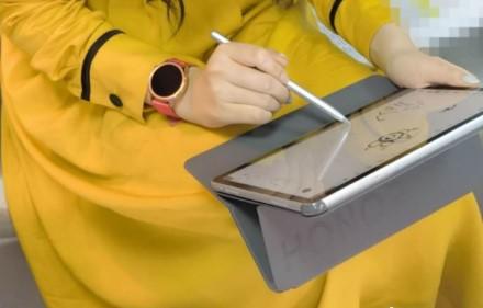 """""""Huawei"""" dukterinė kompanija rimtai nusitaikė į """"iPad"""": išleido prabangią planšetę"""