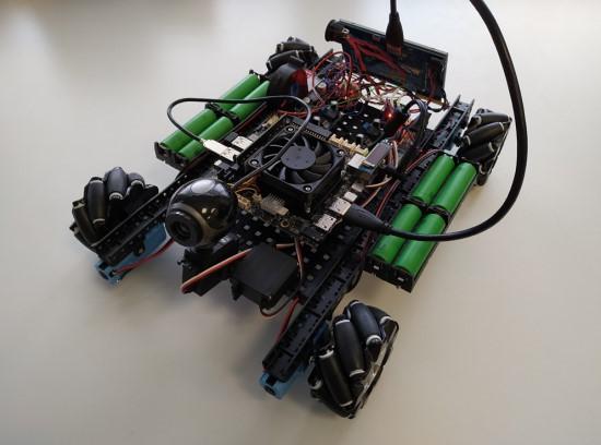 Vaizdo atpažinimo algoritmų testavimui M2M laboratorijoje sukonstruotas mechaninis važiuoklės maketas