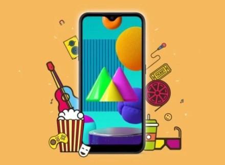 """""""Samsung"""" pristatė labai pigų telefoną: debiutuoja naujasis """"Galaxy M01"""""""