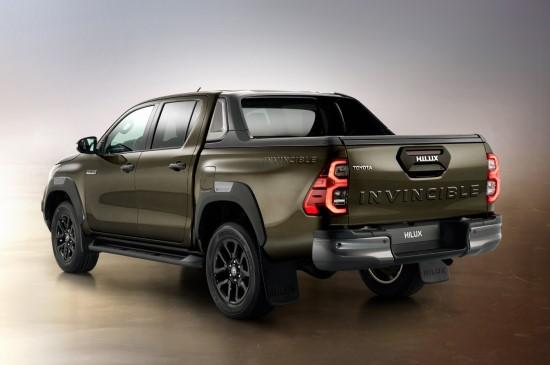 """Naujasis """"Toyota Hilux"""" – dar universalesnis ir stilingesnis"""