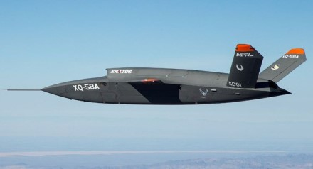 """Kol kas nėra žinoma ar prieš metus sėkmingai išbandytas ilgojo nuotolio bepilotis """"XQ-58A Valkyrie"""" dronas dalyvaus šiuose bandymuose"""
