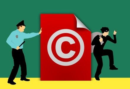 Saugokitės interneto piratų: nelegalios vaizdo transliacijos gali kainuoti labai brangiai