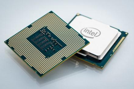 """Inžinieriaus komentaras: """"Apple"""" nusprendė nutraukti bendradarbiavimą su """"Intel"""" dėl daugybės """"Skylake"""" problemų"""