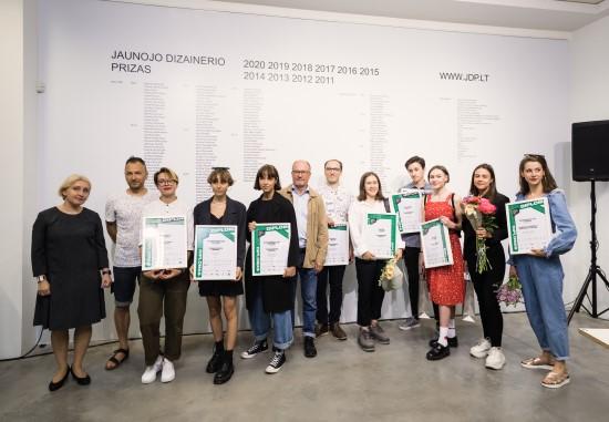 Apdovanoti geriausi šių metų dizaino darbų autoriai. Nuotr. autorius: Tomas Kapočius.