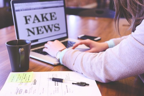 """Dirbtinis intelektas ir """"netikros žinios"""": įspūdingos naujosios technologijos, melą paverčiančios """"realybe"""""""