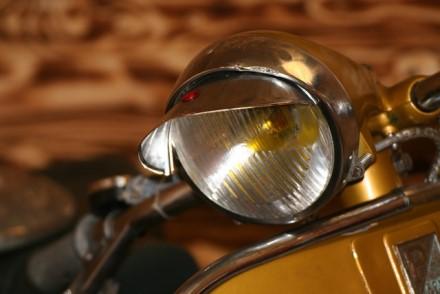 Motociklų srautui augant gyvybes gelbsti kokybiški žibintai