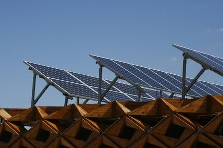 Startavo nauji kvietimai gyventojams ir verslui saulės elektrinėms įsigyti