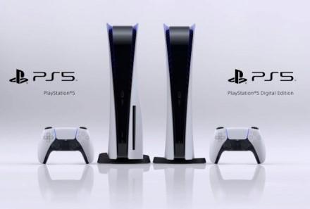 """""""Sony"""" padvigubino """"PlayStation 5"""" gamybos užsakymus"""
