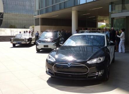 """""""BMW i3"""" LA policijos pajėgose tarnavo šalia """"Tesla"""" automobilių. © Eric Garcetti (CC BY 2.0)   commons.wikimedia.org"""