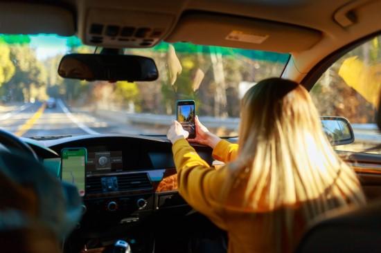 Ar išmaniems sprendimams atkeliaujant į automobilius vairuosime saugiau?
