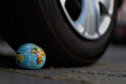 Europos Parlamentas siūlo automobilių taršą matuoti keliuose, ne laboratorijose