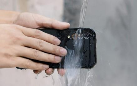 Sukurtas pirmasis itin atsparus telefonas su 5G palaikymu