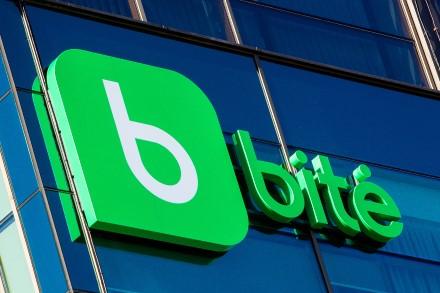 """Baltarusijos IT bendroves """"Bitė"""" kviečia kurtis Lietuvoje: nemokamai teiks paslaugas"""