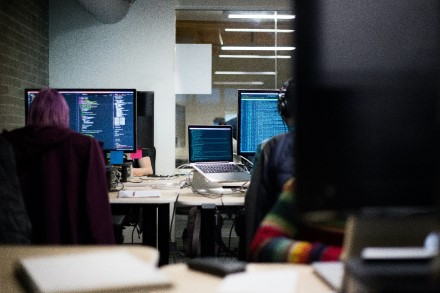 Kokių priemonių imtis norint išvengti elektroninio pašto serverius Lietuvoje atakuojančio kenkėjo