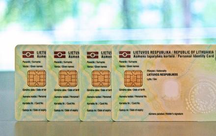 Sužinokite daugiau apie Lietuvos Respublikos asmens tapatybes kortelę ir ja naudokitės elektroninėje erdvėje
