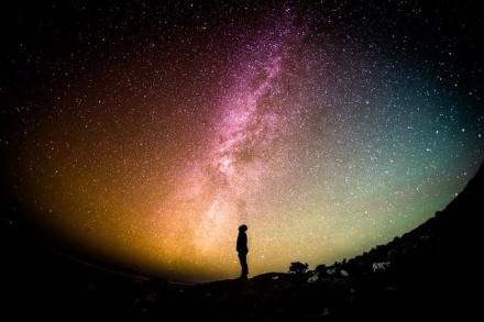 Dujos Visatoje darosi karštesnės